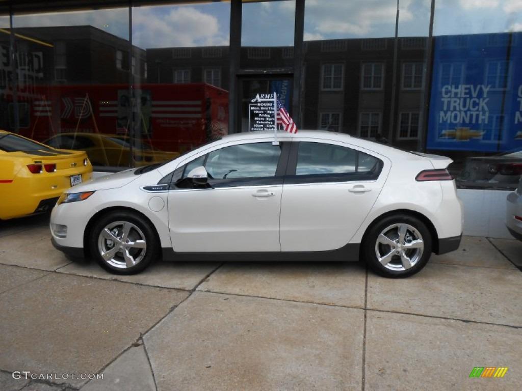 White Diamond Tricoat 2013 Chevrolet Volt Standard Volt Model Exterior Photo #77645531