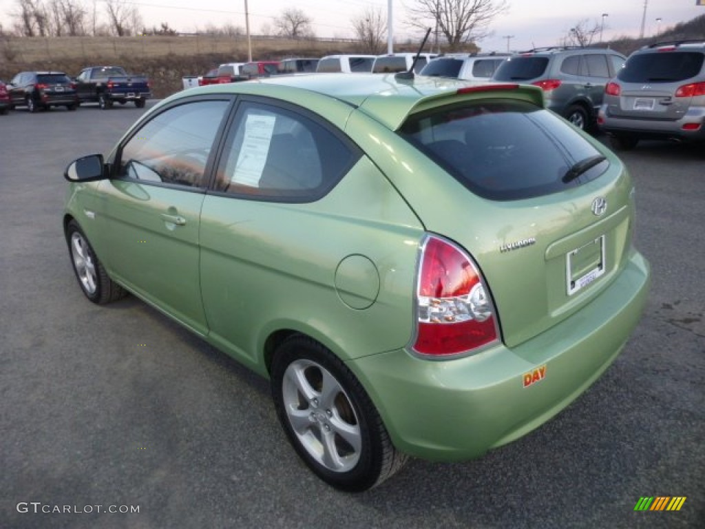 2009 apple green hyundai accent se 3 door 77675488 photo. Black Bedroom Furniture Sets. Home Design Ideas