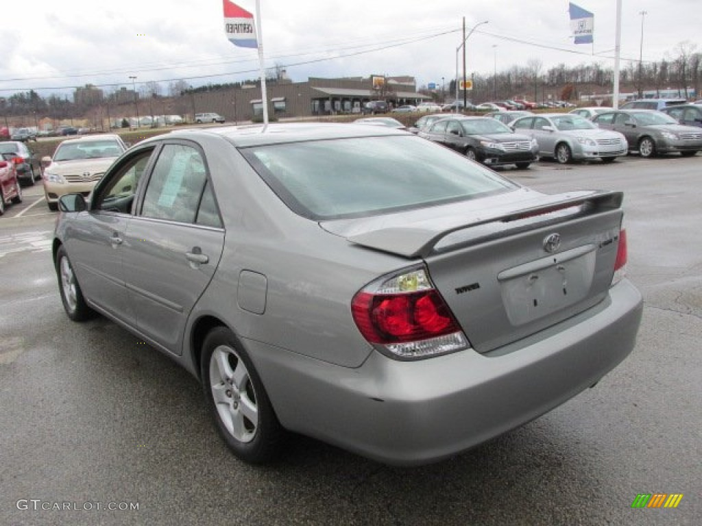 mineral green opalescent 2005 toyota camry se exterior. Black Bedroom Furniture Sets. Home Design Ideas