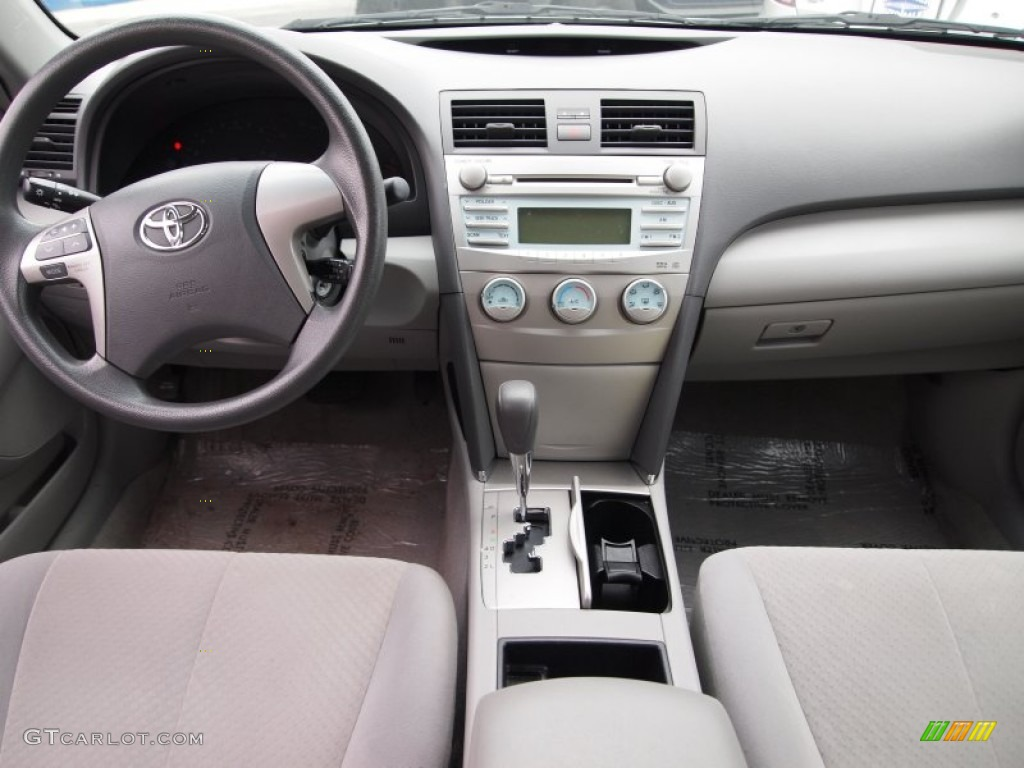2009 toyota camry le dashboard photos. Black Bedroom Furniture Sets. Home Design Ideas