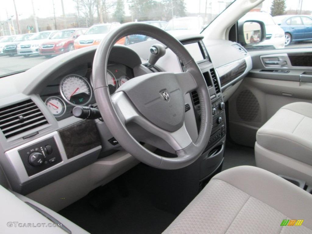 Medium Slate Gray Light Shale Interior 2010 Dodge Grand Caravan Sxt Photo 77800676
