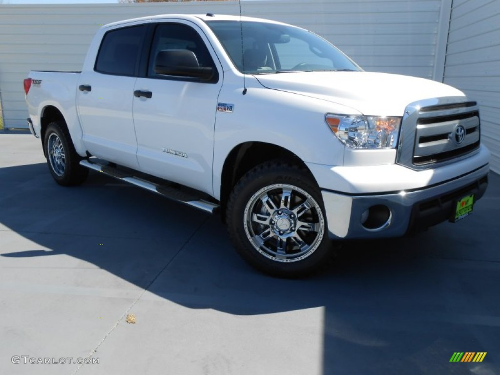 2013 Tundra TSS CrewMax - Super White / Graphite photo #2