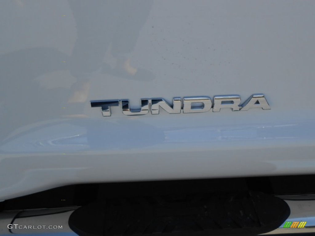 2013 Tundra TSS CrewMax - Super White / Graphite photo #18