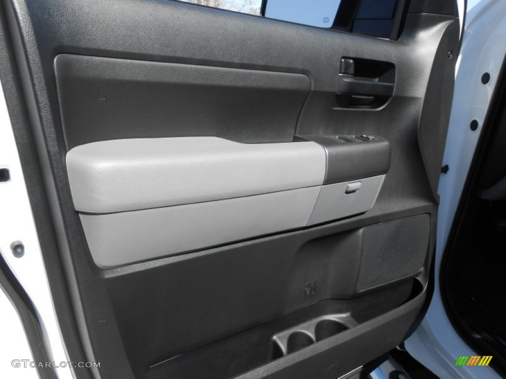 2013 Tundra TSS CrewMax - Super White / Graphite photo #25