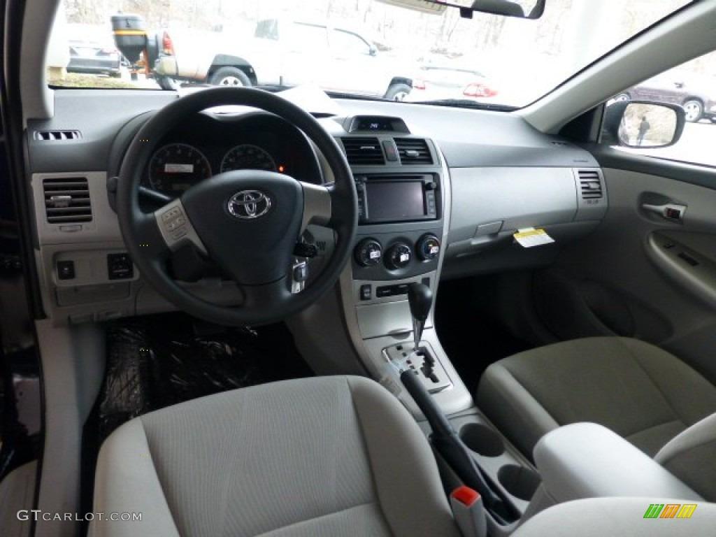 Ash Interior 2013 Toyota Corolla Le Photo 77902185