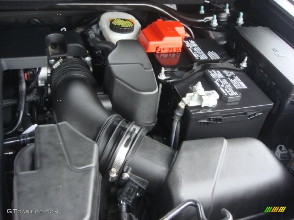 2013 Ford Explorer Limited 4WD Engine Photos