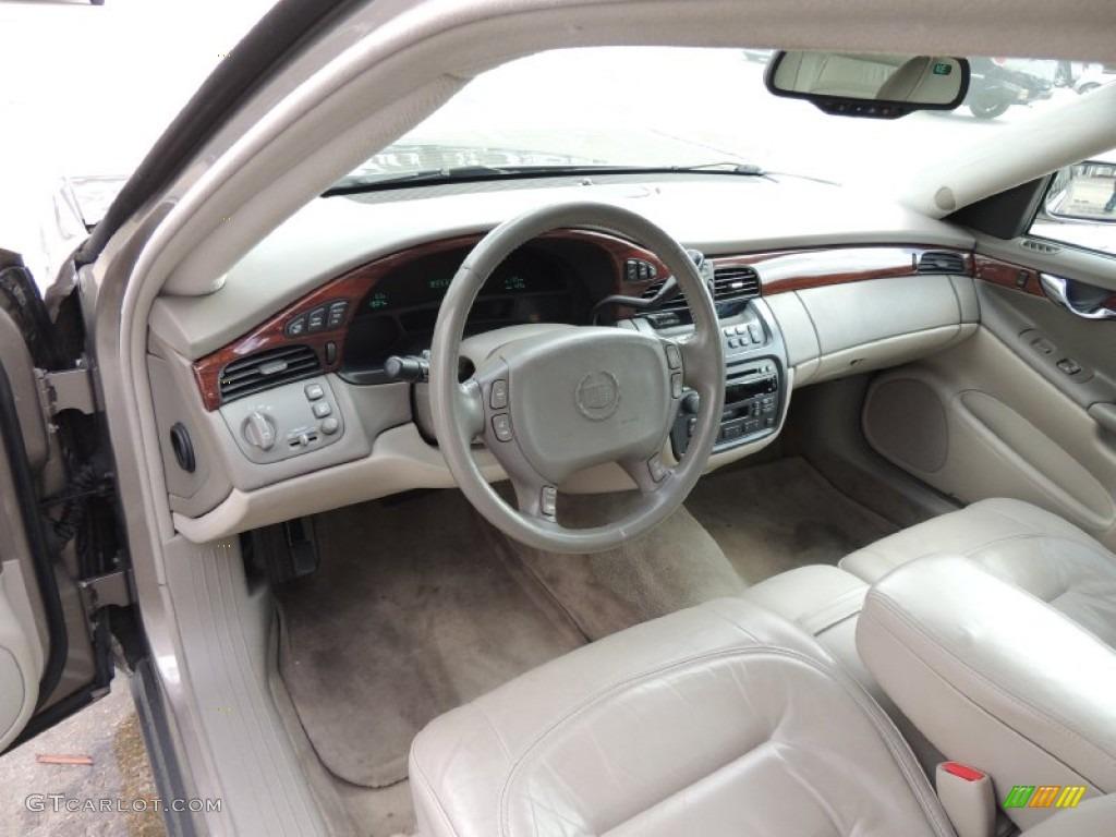Neutral Shale Interior 2002 Cadillac Deville Sedan Photo 77941050