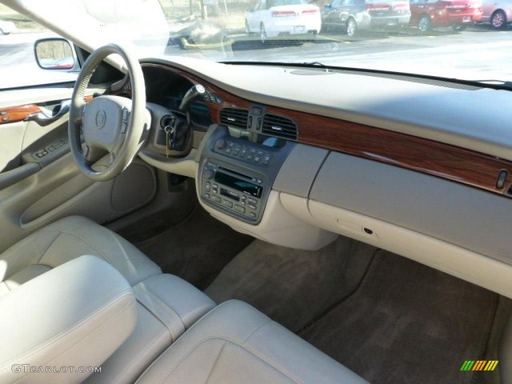 2005 Cadillac Deville Sedan Shale Dashboard Photo 77951709