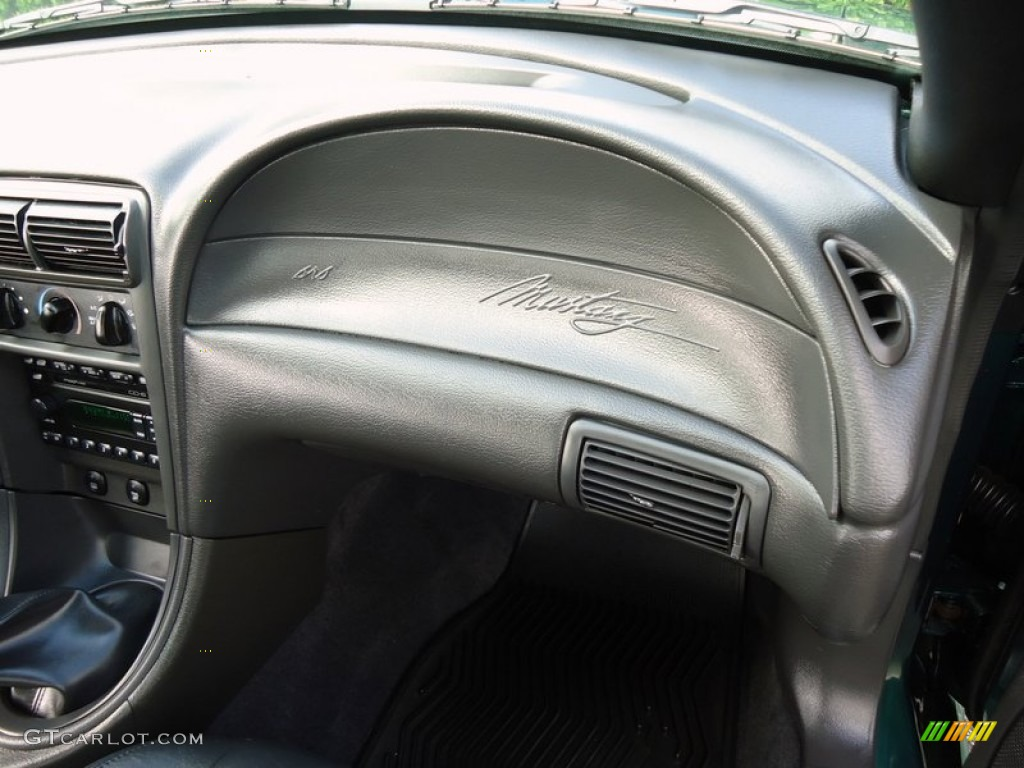 2002 Ford Mustang GT Coupe Dashboard Photos