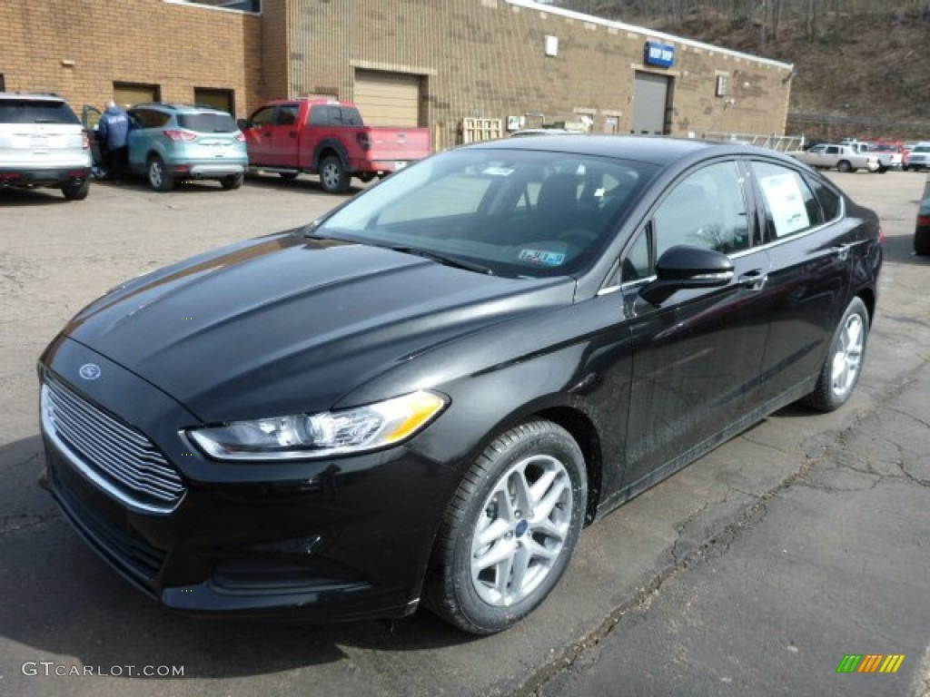 Tuxedo Black Metallic 2013 Ford Fusion Se Exterior Photo
