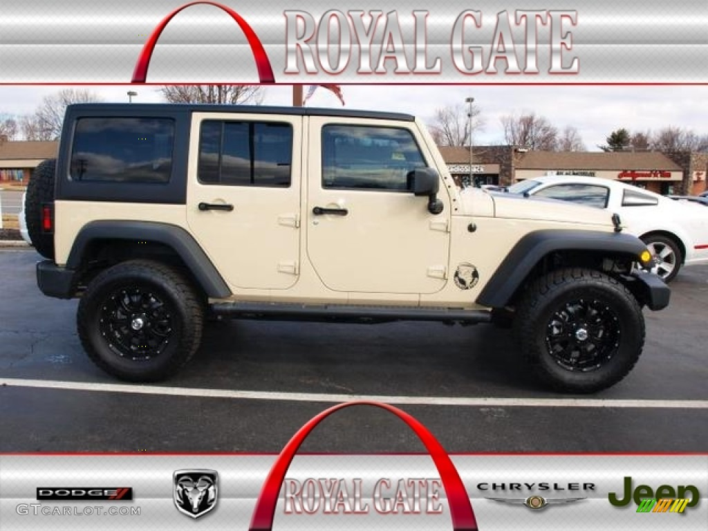 2011 Sahara Tan Jeep Wrangler Unlimited Mojave 4x4