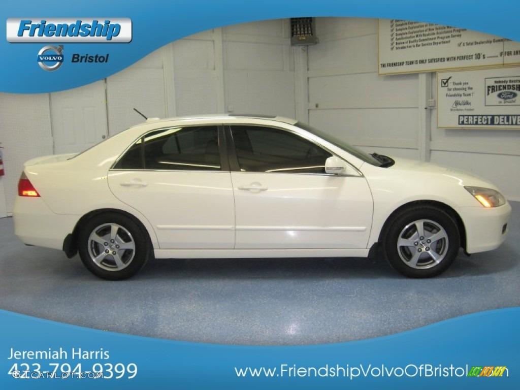 Premium White Pearl Honda Accord. Honda Accord Hybrid Sedan