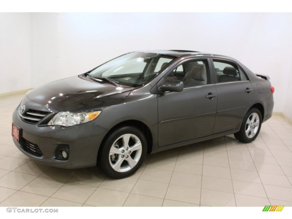 magnetic gray metallic 2013 toyota corolla le exterior. Black Bedroom Furniture Sets. Home Design Ideas