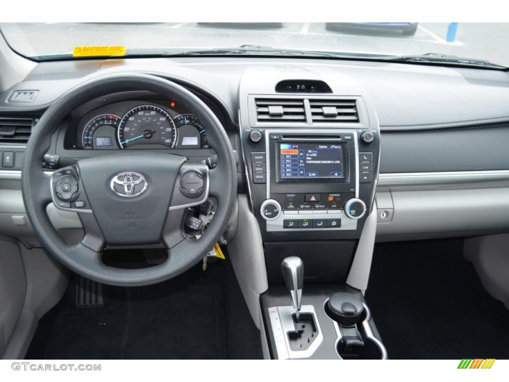 2012 toyota camry le ash dashboard photo 78263140. Black Bedroom Furniture Sets. Home Design Ideas