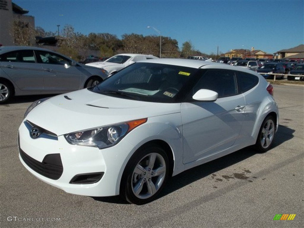 century white 2013 hyundai veloster standard veloster model exterior photo 78268528. Black Bedroom Furniture Sets. Home Design Ideas
