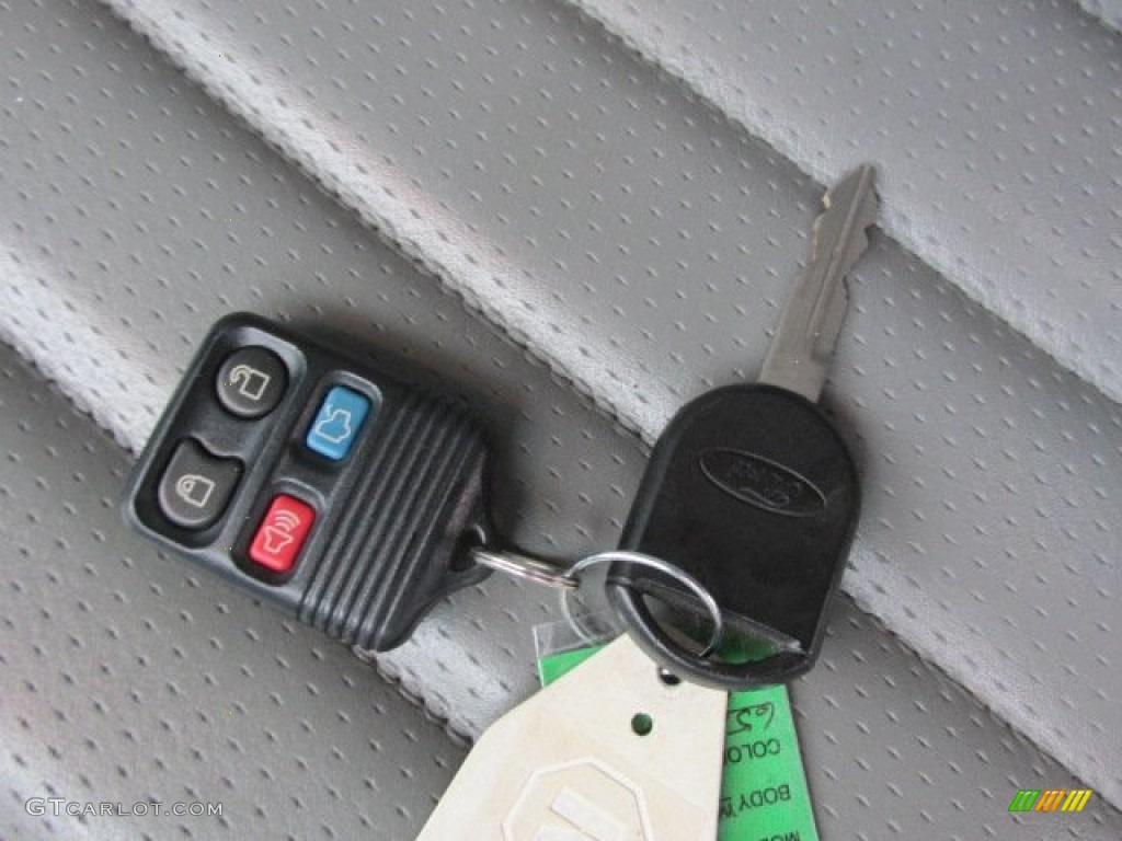 2006 Ford Mustang GT Premium Coupe Keys Photo #78270408