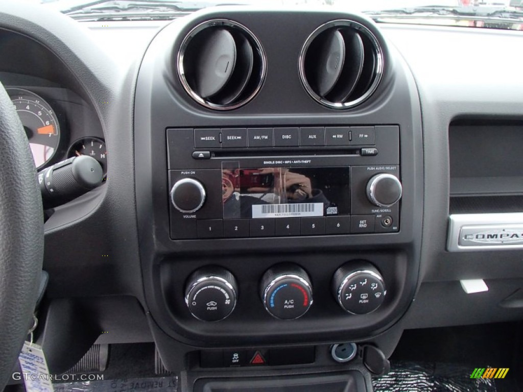 2014 jeep compass sport 4x4 controls photo 78278944. Black Bedroom Furniture Sets. Home Design Ideas
