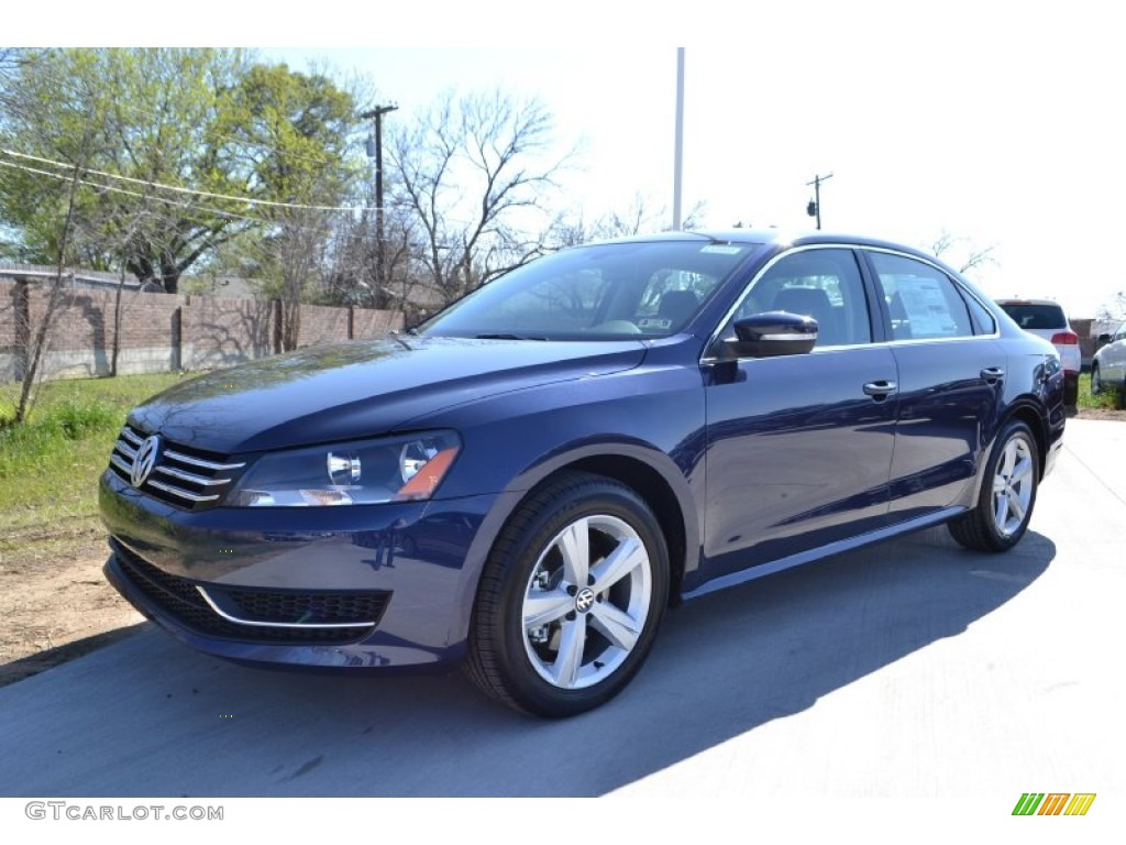 2013 night blue metallic volkswagen passat 2 5l se. Black Bedroom Furniture Sets. Home Design Ideas