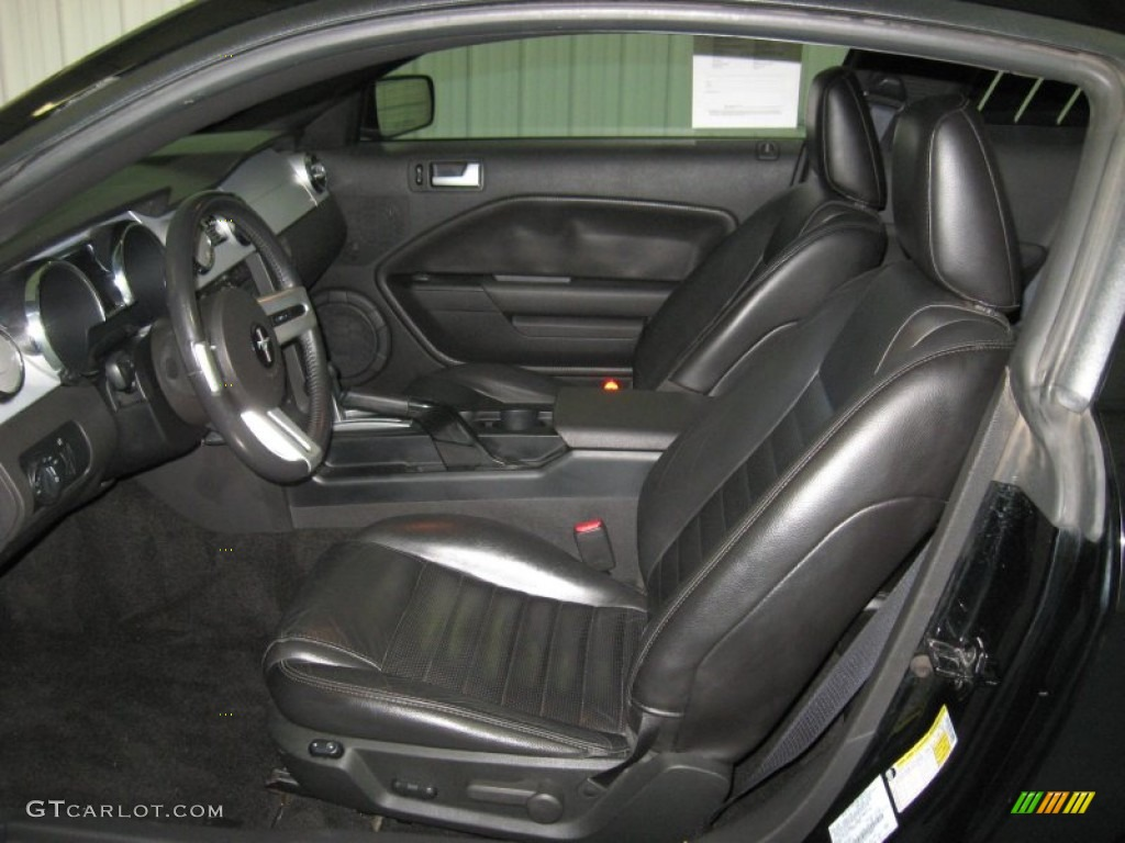 Dark Charcoal Interior 2006 Ford Mustang GT Premium Coupe Photo #78296812