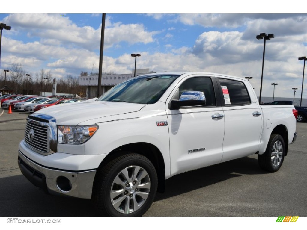 2013 Tundra Platinum CrewMax - Super White / Black photo #1