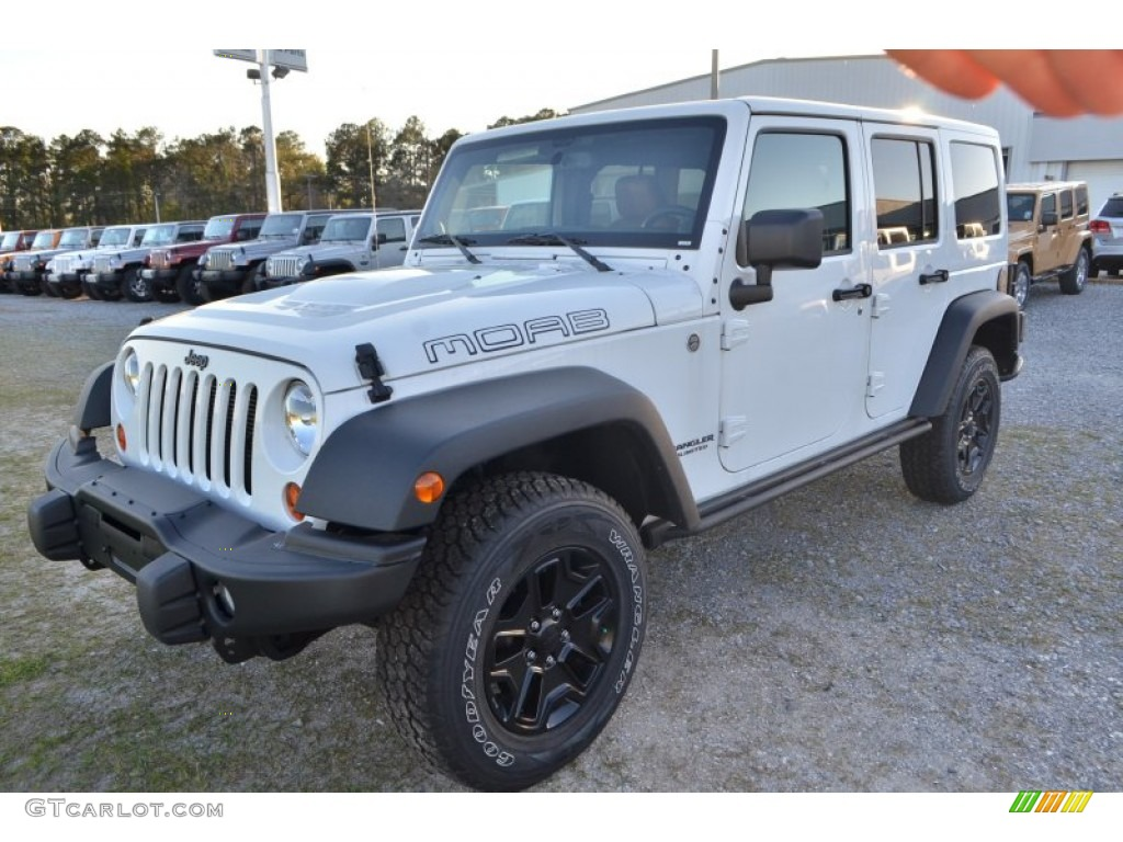 Bright White 2013 Jeep Wrangler Unlimited Moab Edition 4x4 Exterior Photo  #78462076