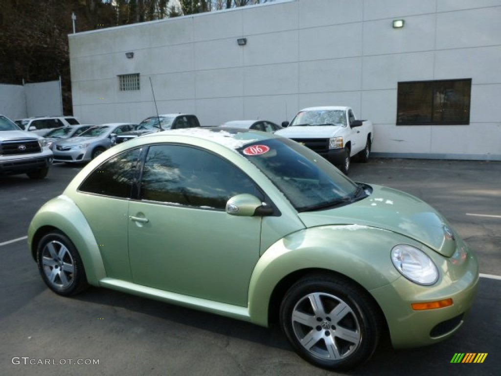 2006 gecko green metallic volkswagen new beetle tdi coupe 78461973 car color. Black Bedroom Furniture Sets. Home Design Ideas