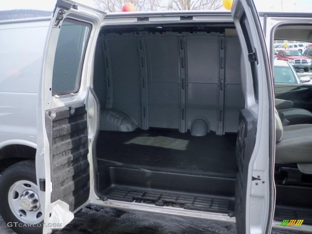 2011 Chevrolet Express 2500 Cargo Van Trunk Photo 78652838