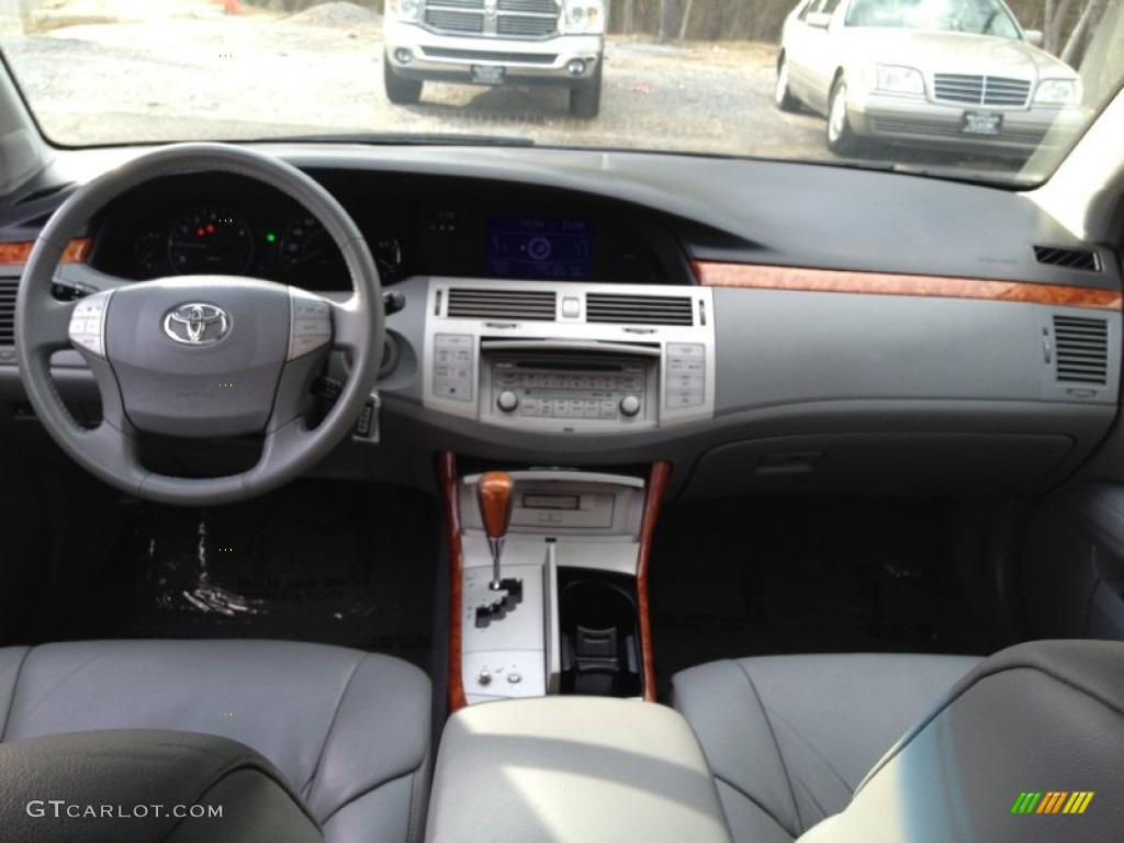 2005 toyota avalon xls graphite gray dashboard photo. Black Bedroom Furniture Sets. Home Design Ideas