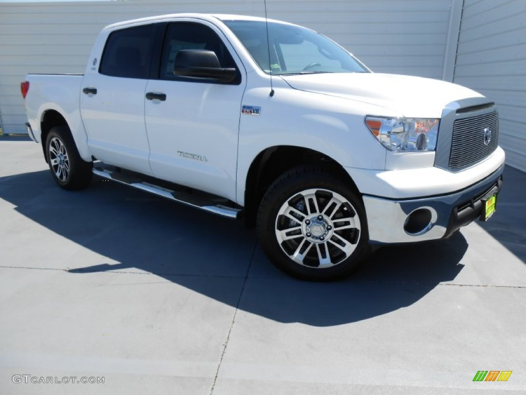 2013 Tundra Texas Edition CrewMax - Super White / Graphite photo #2