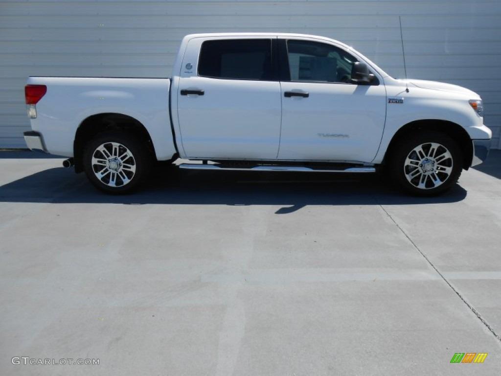 2013 Tundra Texas Edition CrewMax - Super White / Graphite photo #3