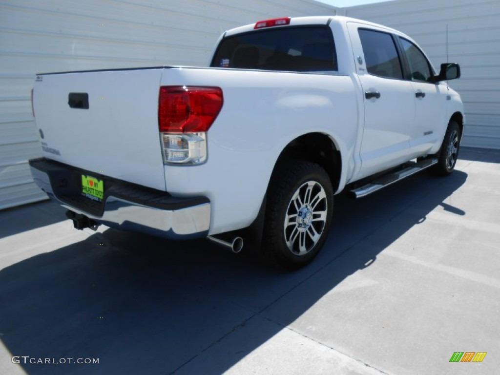 2013 Tundra Texas Edition CrewMax - Super White / Graphite photo #4