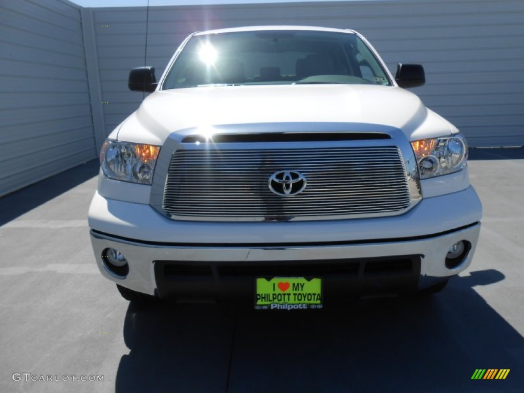2013 Tundra Texas Edition CrewMax - Super White / Graphite photo #8