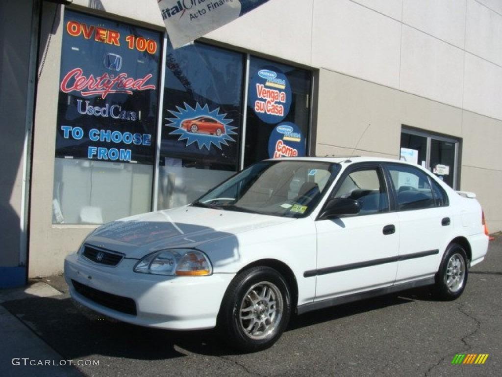 Frost White Honda Civic. Honda Civic DX Sedan