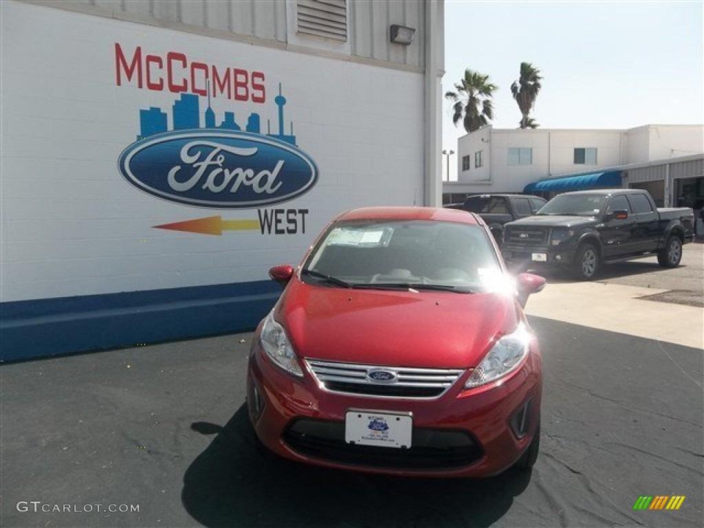 2013 Fiesta SE Sedan - Ruby Red / Charcoal Black photo #1