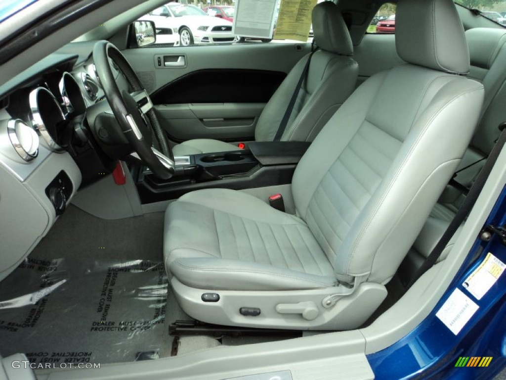Light Graphite Interior 2006 Ford Mustang Gt Premium Coupe Photo 78836297