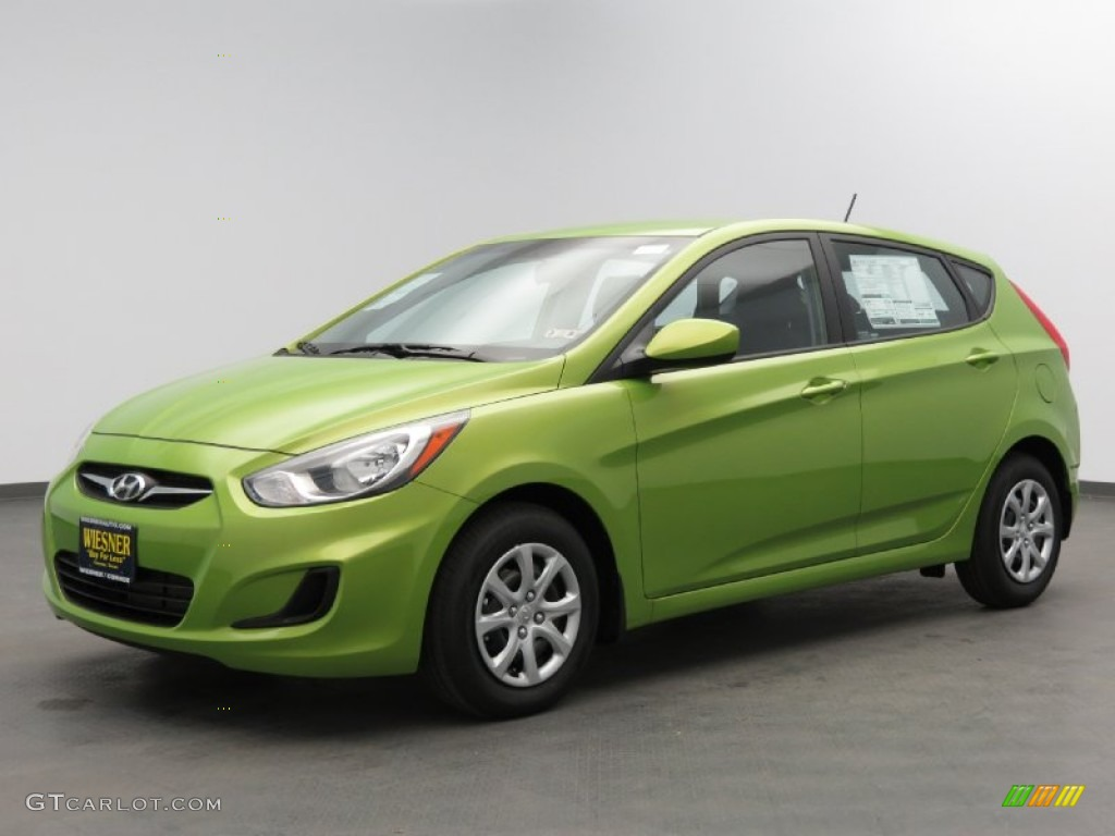 2013 Electrolyte Green Hyundai Accent GS 5 Door #78997094 ...