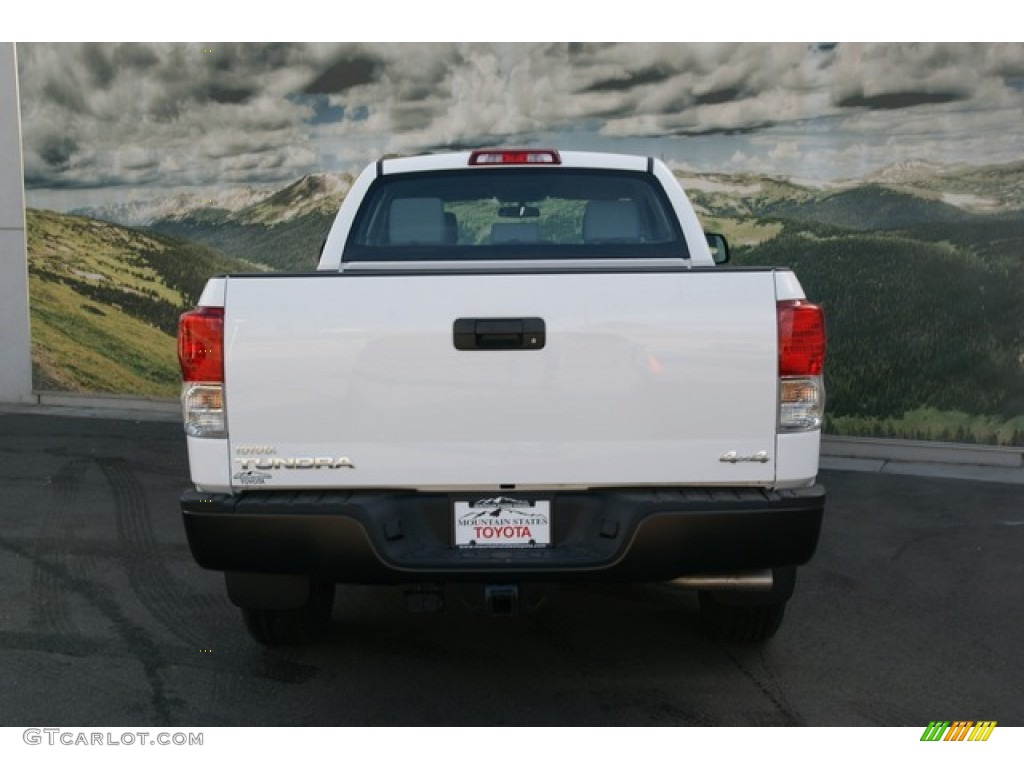 2013 Tundra Double Cab 4x4 - Super White / Graphite photo #4