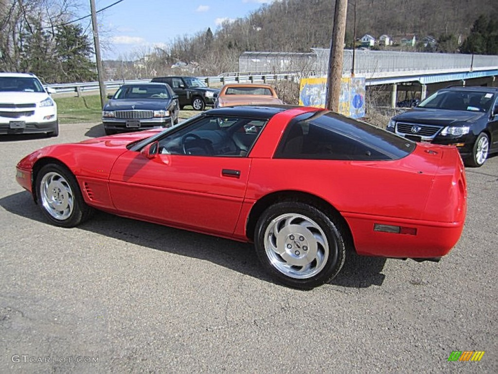 Torch Red 1995 Chevrolet Corvette Coupe Exterior Photo