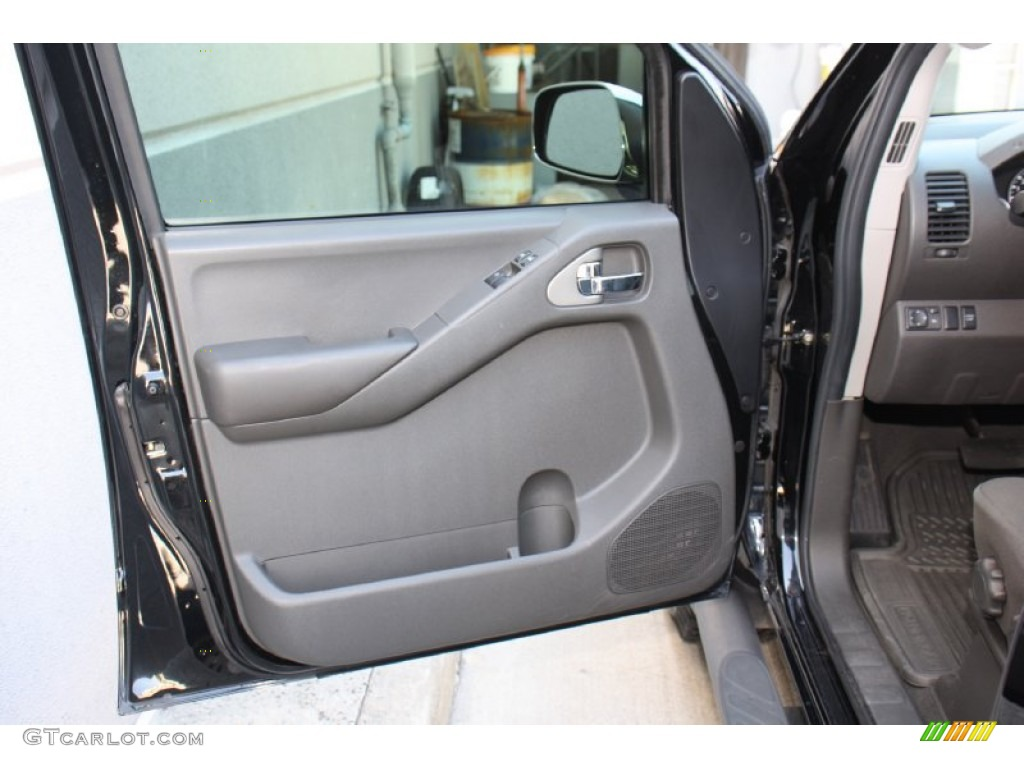 2006 Nissan Frontier NISMO King Cab 4x4 Charcoal Door Panel Photo #79385198 & 2006 Nissan Frontier NISMO King Cab 4x4 Charcoal Door Panel Photo ... Pezcame.Com
