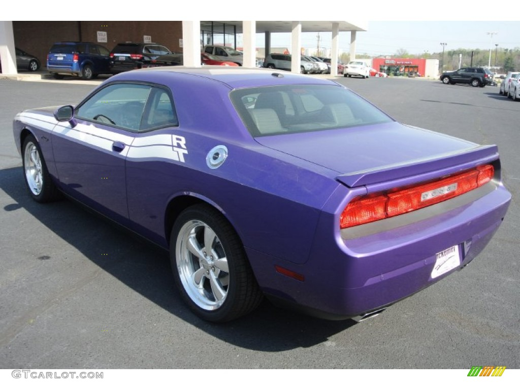 2013 Challenger R/T Classic - Plum Crazy Pearl / Dark Slate Gray photo #4