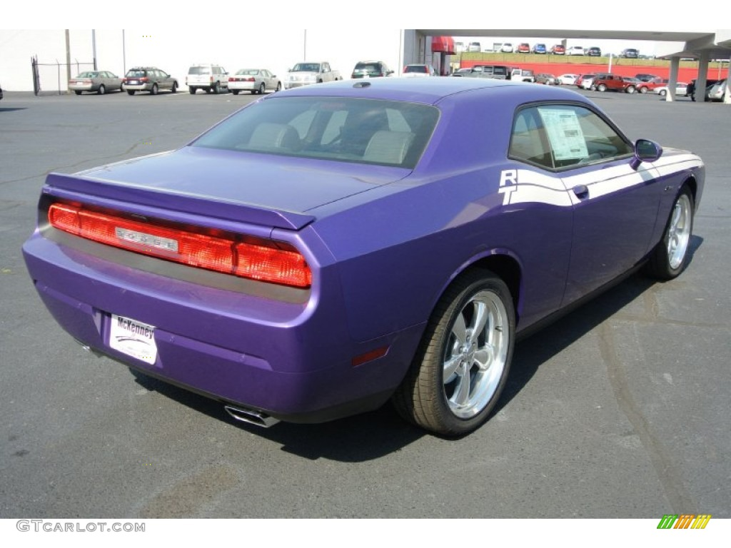 2013 Challenger R/T Classic - Plum Crazy Pearl / Dark Slate Gray photo #5