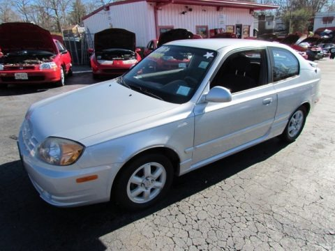 2005 hyundai accent gt coupe data info and specs. Black Bedroom Furniture Sets. Home Design Ideas
