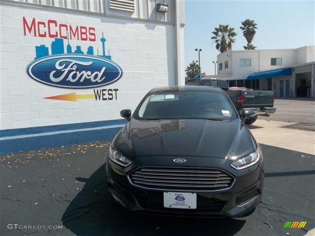 2013 Fusion SE 1.6 EcoBoost - Tuxedo Black Metallic / Charcoal Black photo #1