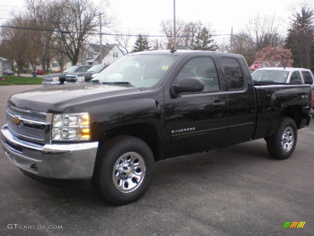 2013 Silverado 1500 LS Extended Cab 4x4 - Black / Ebony photo #1