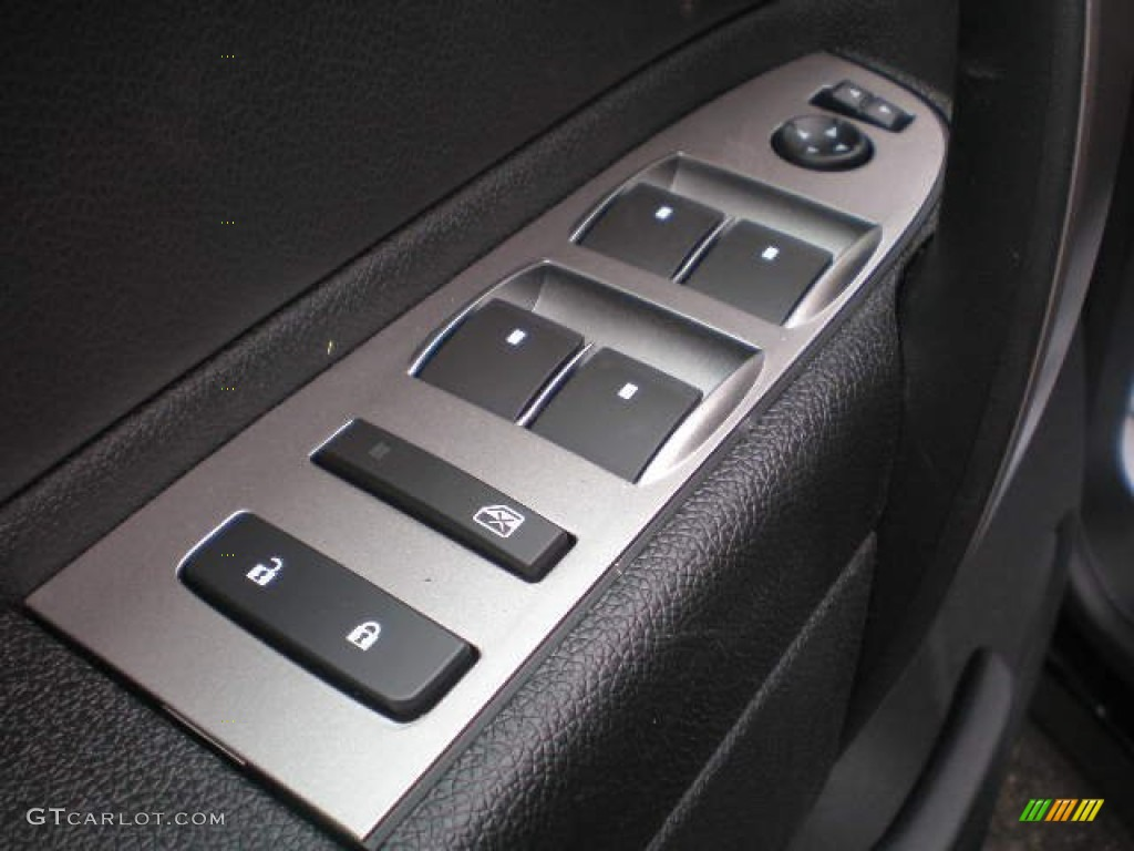2013 Silverado 1500 LS Extended Cab 4x4 - Black / Ebony photo #4