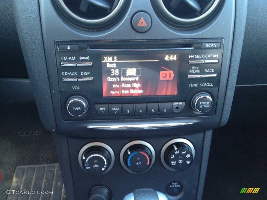 2012 nissan rogue s special edition awd controls photos. Black Bedroom Furniture Sets. Home Design Ideas