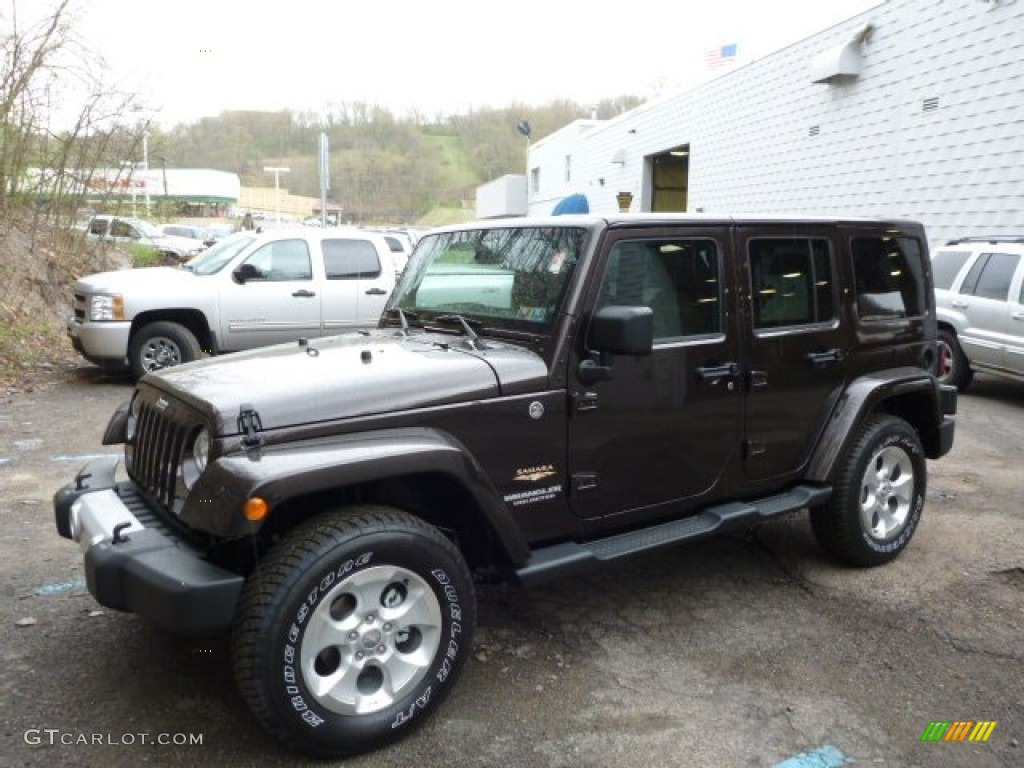 Delightful 2013 Wrangler Unlimited Sahara 4x4   Rugged Brown Pearl / Black/Dark Saddle  Photo #