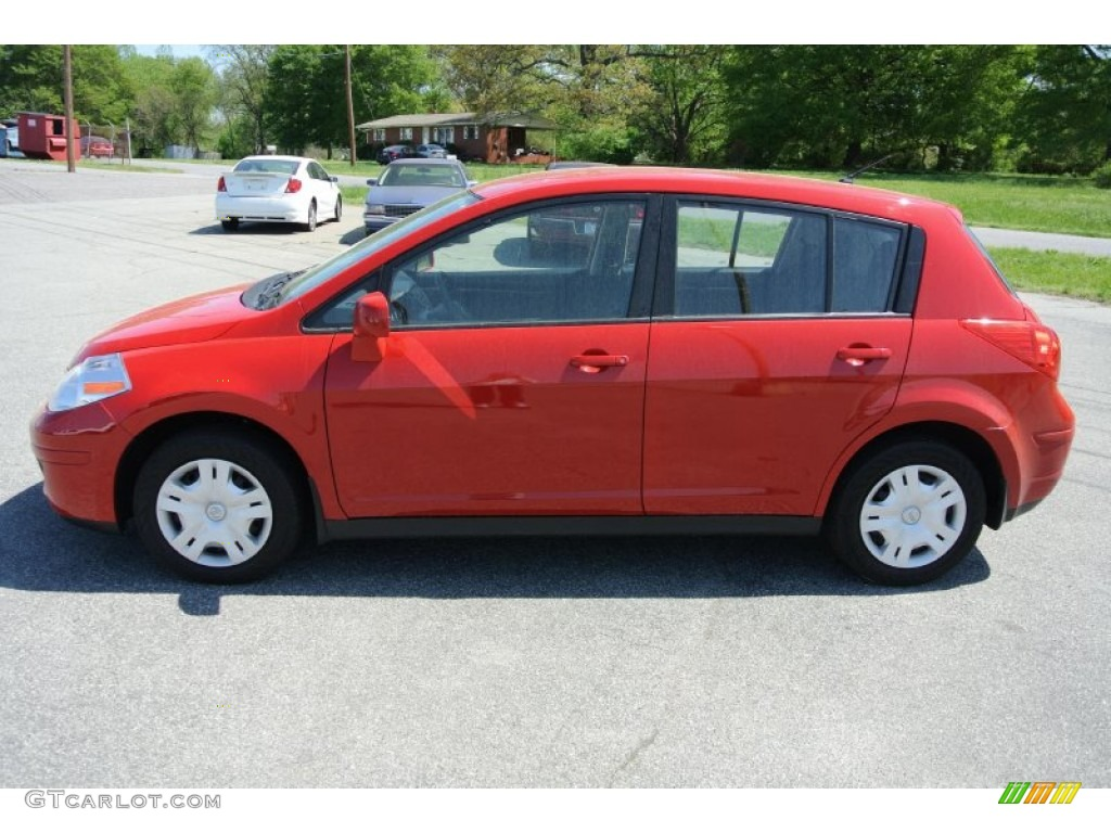 2012 Red Alert Nissan Versa 18 S Hatchback 80041785 Photo 3