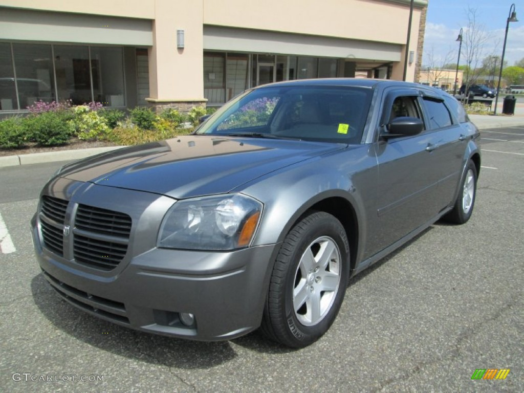 mineral gray metallic 2005 dodge magnum sxt exterior photo. Black Bedroom Furniture Sets. Home Design Ideas