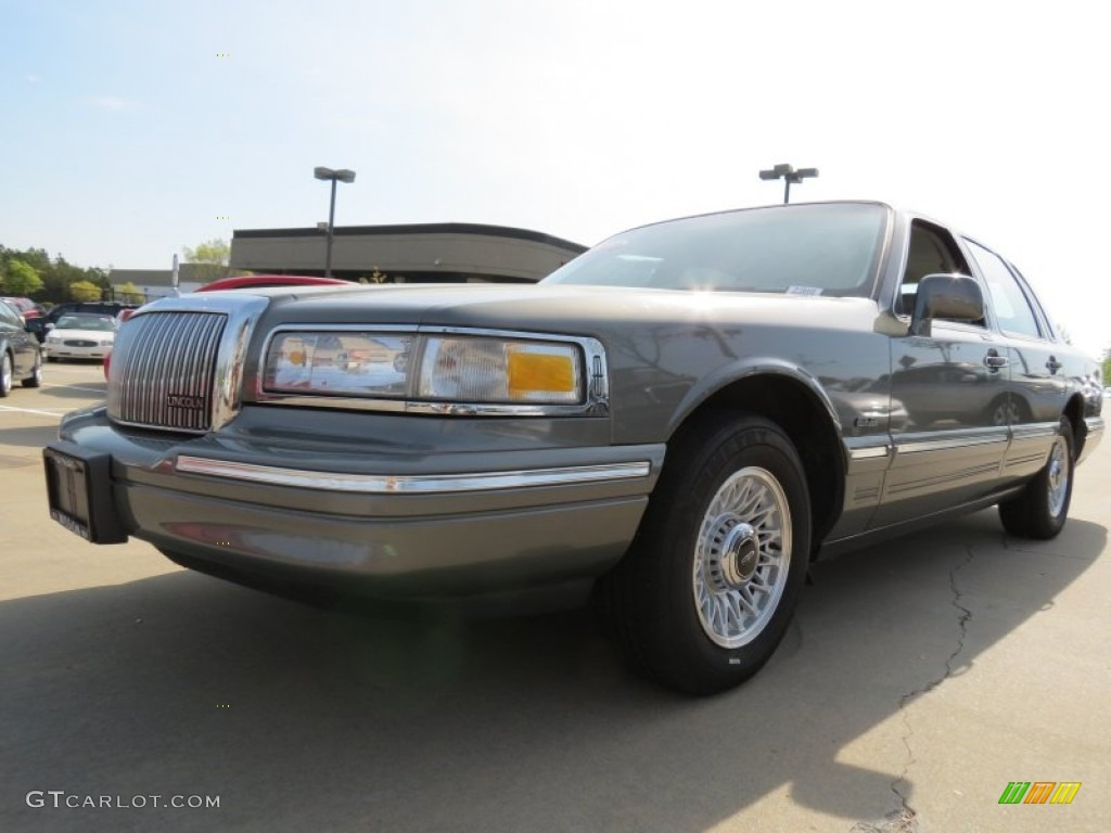 1997 medium pewter pearl metallic lincoln town car executive 80174690 car. Black Bedroom Furniture Sets. Home Design Ideas